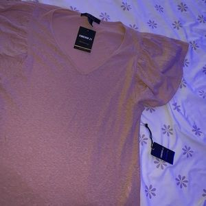 Light material t shirt with flared sleeves
